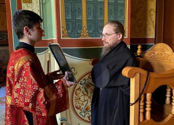 В канун Недели 6-й по Пасхе епископ Игнатий возглавил богослужение в кафедральном соборе преподобных Афанасия и Феодосия Череповецких