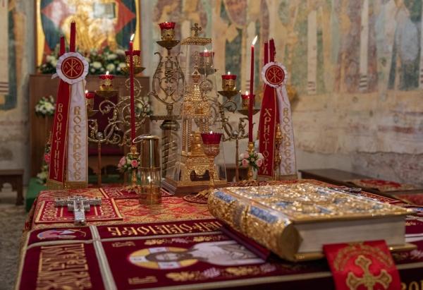 В праздник Светлого Христова Воскресения митрополит Савва совершил Пасхальную великую вечерню в Софийском соборе Вологды