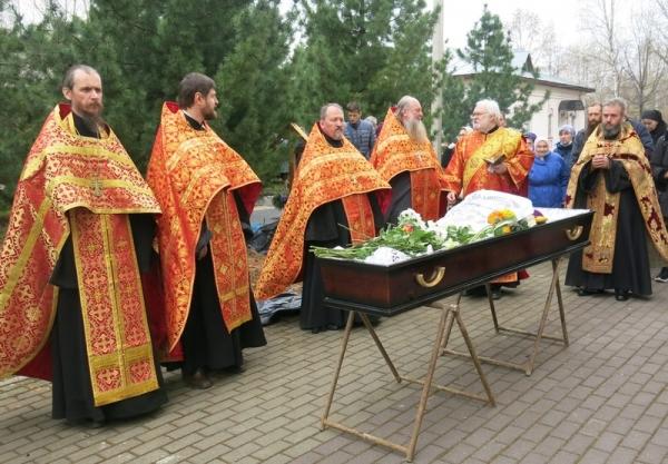 В соборе Рождества Пресвятой Богородицы города Вологды совершено отпевание протодиакона Георгия Рябинина