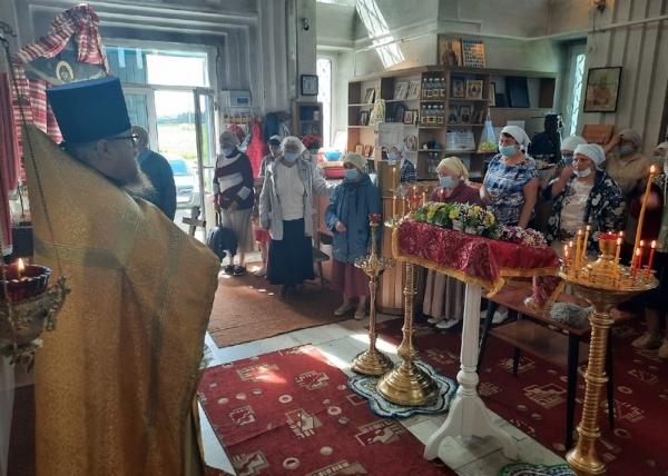 Прихожане храма святителя Николая-на-Комье отпраздновали престольный день