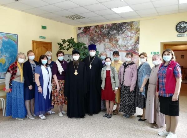 Епископ Игнатий встретился с руководителями воскресных школ Череповца по вопросу организации летнего отдыха воспитанников