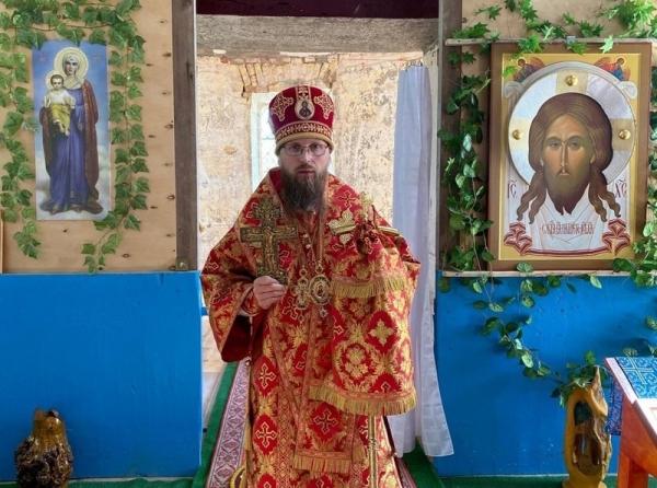 Епископ Игнатий совершил праздничное богослужение в храме Спаса Нерукотворного села Спас-Лом
