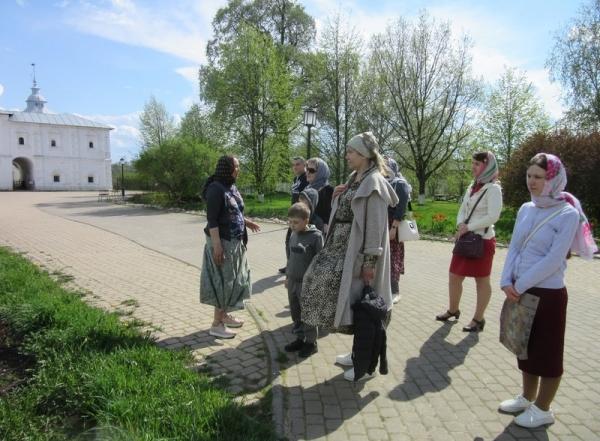 Учащиеся воскресной школы храма Покрова Пресвятой Богородицы на Козлене посетили Спасо-Прилуцкий монастырь