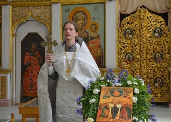 Устюжане молились за праздничным богослужением в Вознесенском храме Великого Устюга