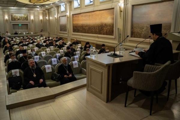 Участники встречи председателя Учебного комитета с представителями духовных школ обсудили проблемы духовного образования в России